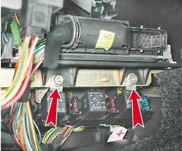 Гайки крепления ЭБУ ВАЗ-2112Гайки крепления ЭБУ ВАЗ-2112