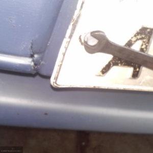 Демонтаж номерного знака на переднем бампере ВАЗ-2114