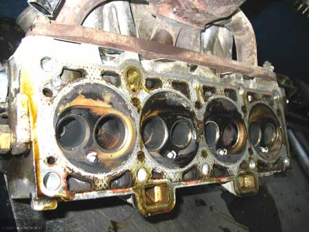 Прогоревшие клапана ГБЦ ВАЗ-2112