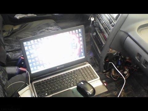 Ноутбук подключенный к ВАЗ-2112