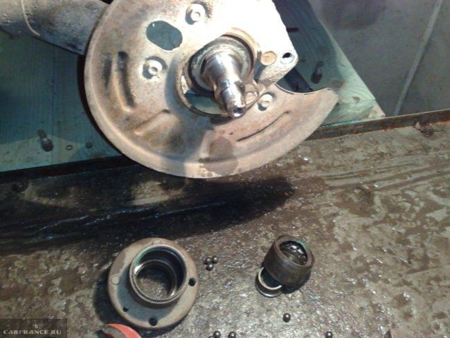 Снятие прикипевшего подшипника ступицы рассыпался ВАЗ-2112