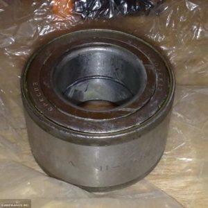 Подшипник передней ступицы в упаковке на ВАЗ-2112 Волжский стандарт вблизи