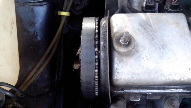 Ремень ГРМ сползает из-за не верной затяжки на ВАЗ-2114