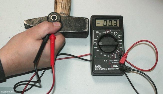 Проверка датчика детонации ВАЗ-2114 при помощи мультиметра