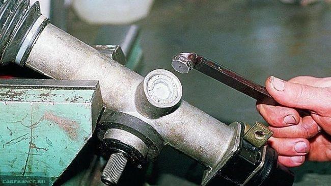Регулировка гайки рулевой рейки ВАЗ-2112