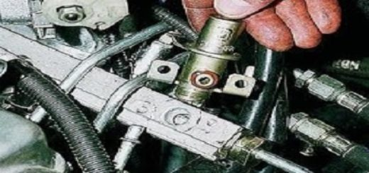 Расположение регулятора давления топлива на ВАЗ-2112