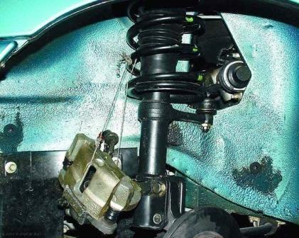 Тормозной суппорт привязан к пружине ВАЗ-2112