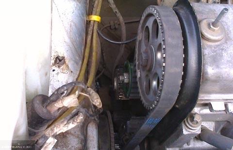 Вид на механизм ГРМ со снятым кожухом на ВАЗ-2114