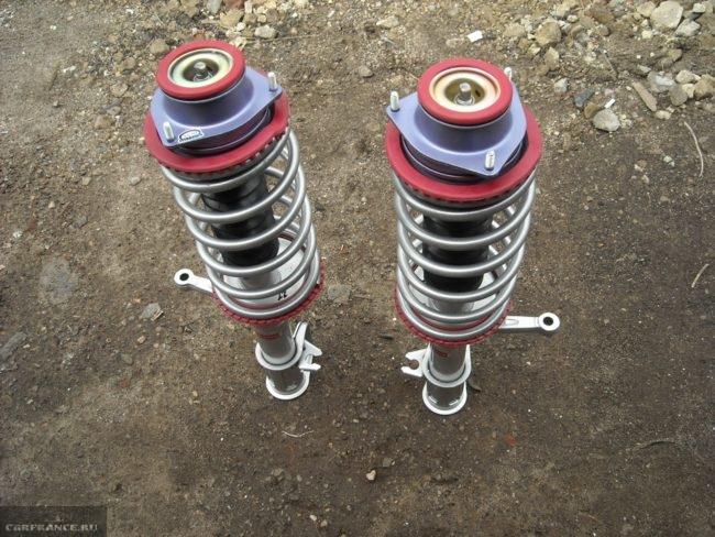 Тюнингованные передние амортизационные стойки на ВАЗ-2114