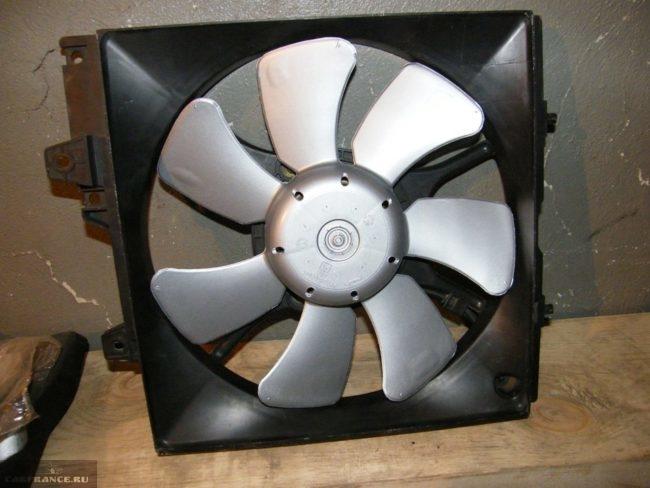 Замена вентилятора охлаждения ВАЗ-2112