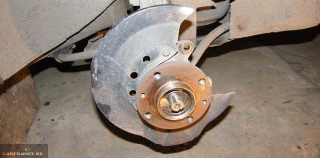 Колесо без гайки ступицы на ВАЗ-2112
