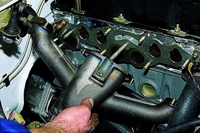 Демонтируем выпускной коллектор ВАЗ-2114
