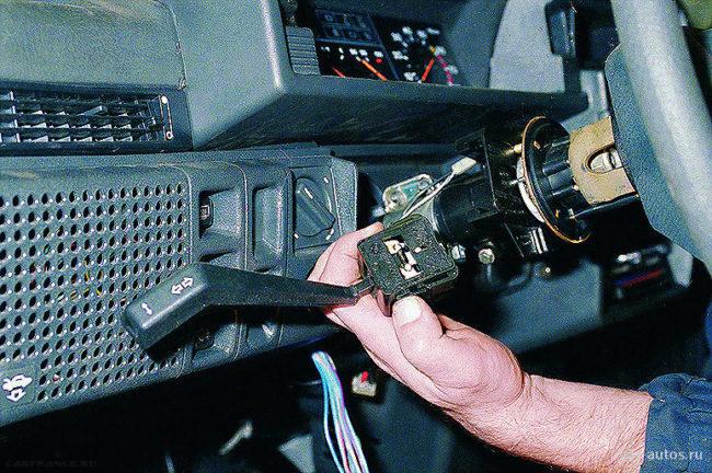 Снимаем переключатели ВАЗ-2114