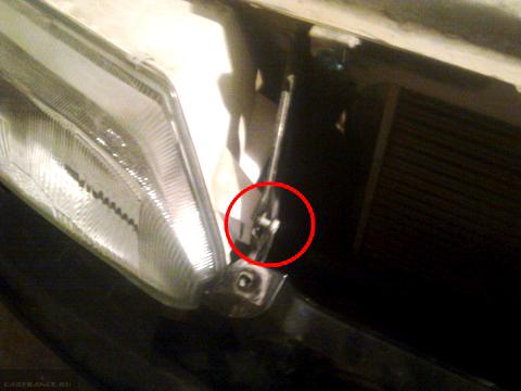 Демонтаж крепежных элементов фары ВАЗ-2114