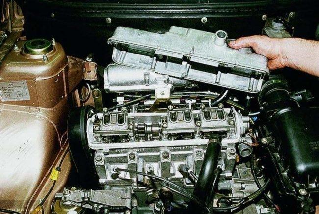 Демонтаж клапанной крышки ВАЗ-2114