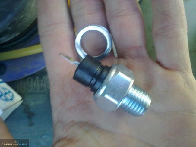 Датчик давления масла с прокладкой ВАЗ-2114