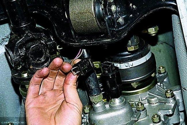 Расположение датчика скорости автомобиля ВАЗ-2114