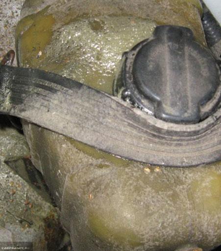 Почему металлический стержень нельзя наэлектризовать держа его в руке