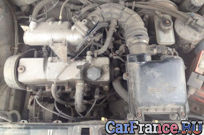 Двигатель ВАЗ-2114 под капотом троит при старте