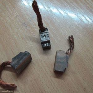 Изношенные щётки стартера ВАЗ-2114