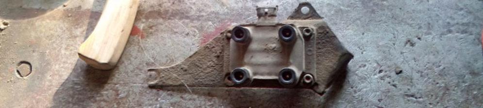 Катушка зажигания с кронштейном на ВАЗ-2114