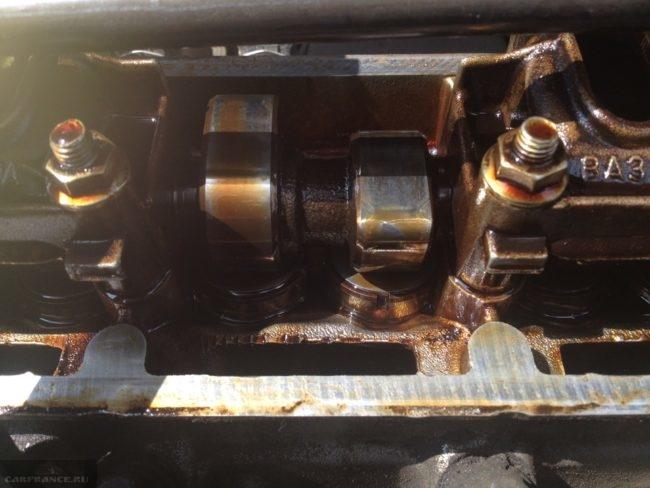 Кулачки распределительного вала и клапана ВАЗ-2115