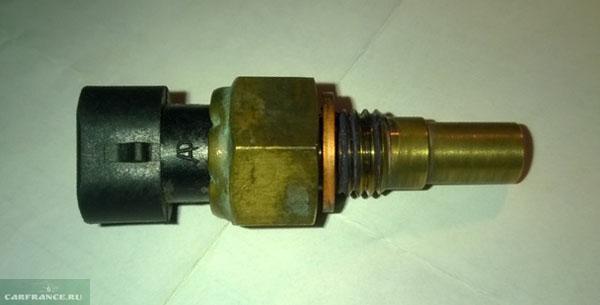 Не оригинальный датчик температуры охлаждающей жидкости на ВАЗ-2114