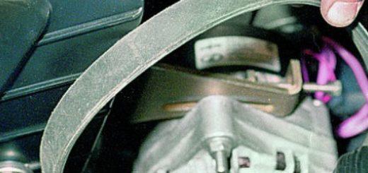 Ремень генератора на ВАЗ-2114 под капотом