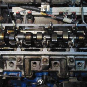Двигатель ВАЗ-2114 без крышки с распредвалом