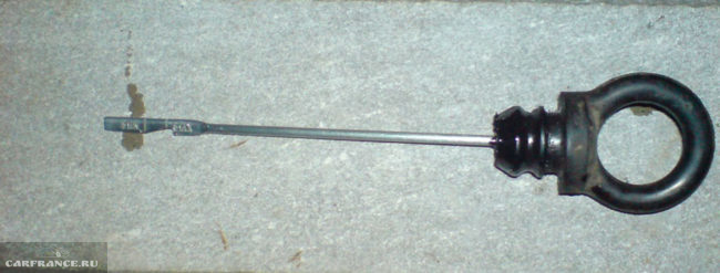 Щуп уровня масла в КПП надломан на ВАЗ-2114