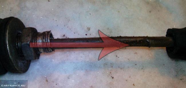 Старый трос сцепления изношен на ВАЗ-2114