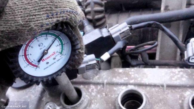 Меряем компрессию двигателя