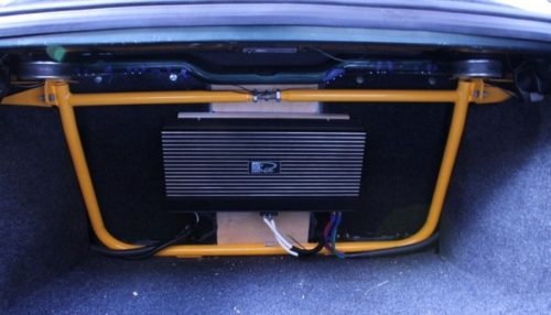 Крепление усилителя и аудиосистемы в багажнике ВАЗ-2110
