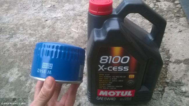 масляный фильтр MANN и синтетическое масло Motul в двигатель Лада Приора
