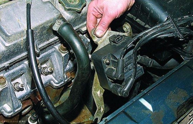 Процесс замены модуля зажигания на ВАЗ-2114