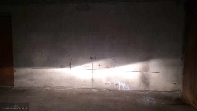 Разметка стены для регулировки фары на ВАЗ-2114