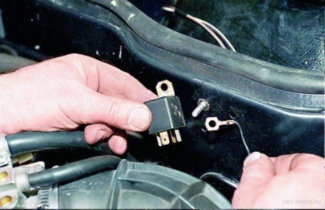 Процесс замены реле стартера на ВАЗ-2114