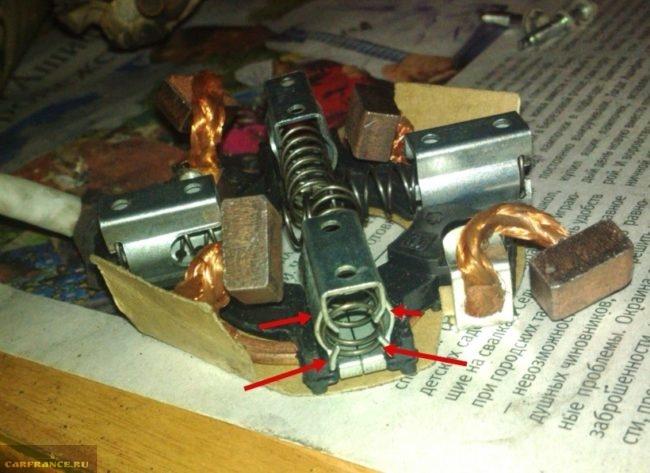 Щеточный узел стартера ВАЗ-2114, процесс замены щеток
