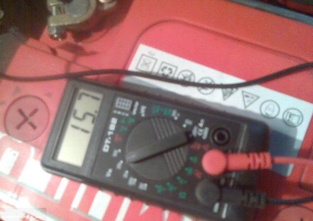 из-за чего низкое напряжение в электро сети на ваз 21:14