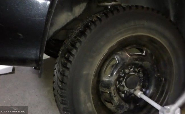 Демонтаж заднего колеса на ВАЗ-2114
