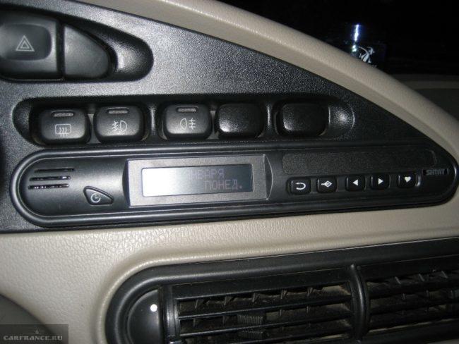 Бортовой компьютер БК-09 на панели приборов Нива Шевроле