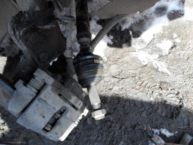 Процесс установки оси со шрусом на Нива Шевроле