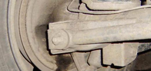 Подтёки трансмиссионного масла на Шевроле Нива