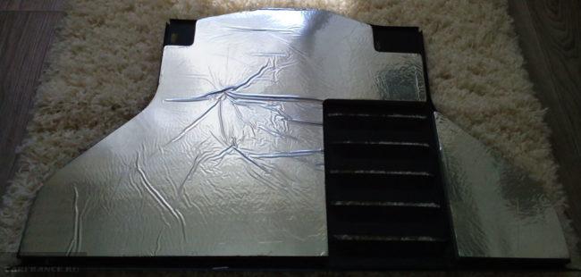 Защитный пыльник картера двигателя на Шевроле Нива