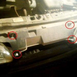 Решетка радиатора и фары ВАЗ-2114