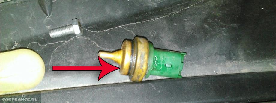 проблема датчик охлаждающей жидкости на peugeot 308