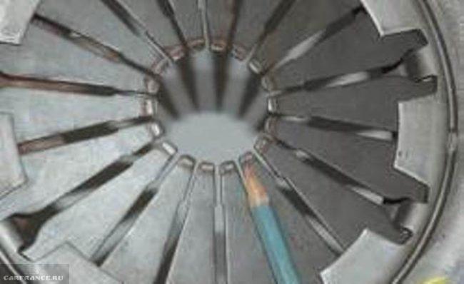Диафрагменная пружина нажимного диска сцепления Нива Шевроле