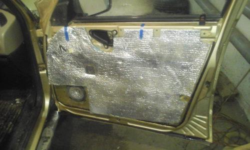 Передняя правая дверь Нива Шевроле без обшивки
