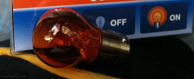 Стандартная лампа поворотника на Пежо 308