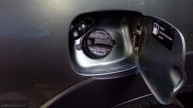 Слив бензина через горловину Шевроле Нива